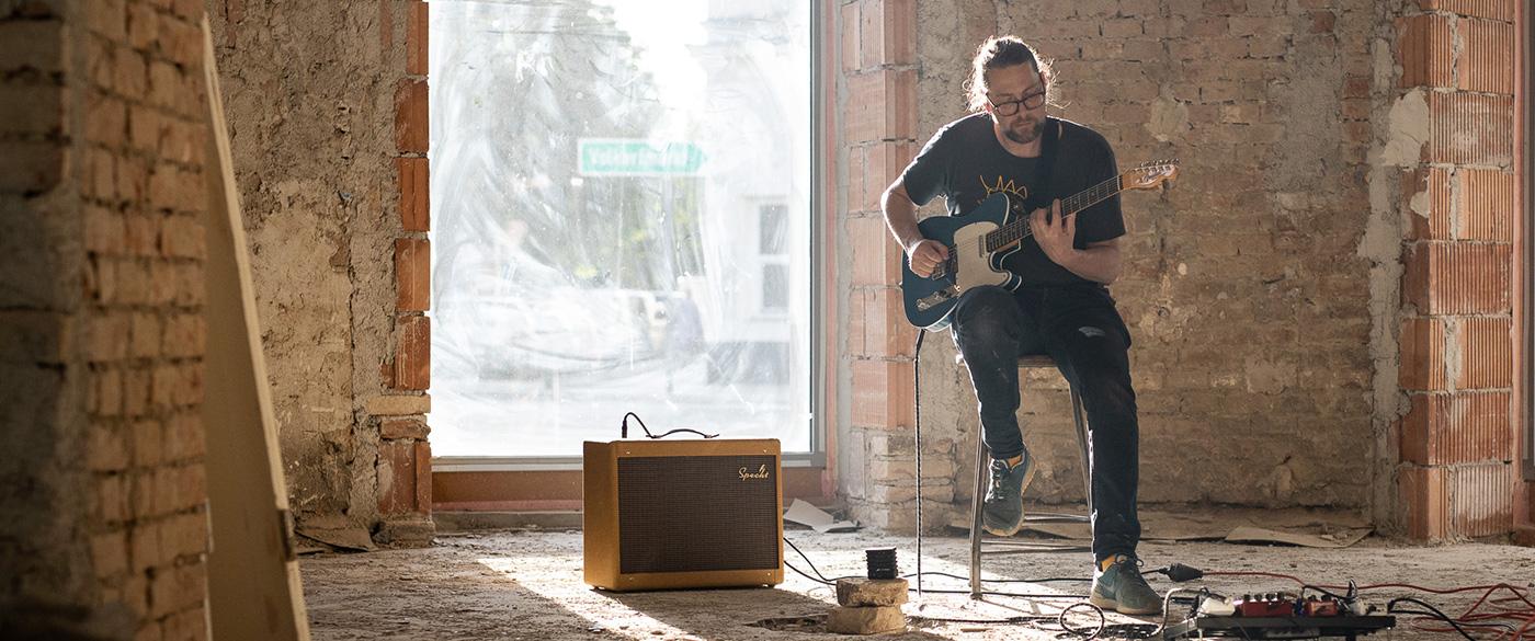 Johannes Specht on Guitar